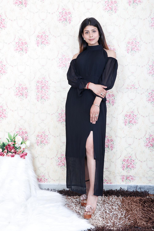 Black Pleated Side Slit Maxi Dress